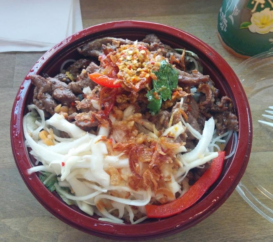 Bun vietnamese noodle salad